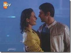 aşk oyunu yağmur sahnesi